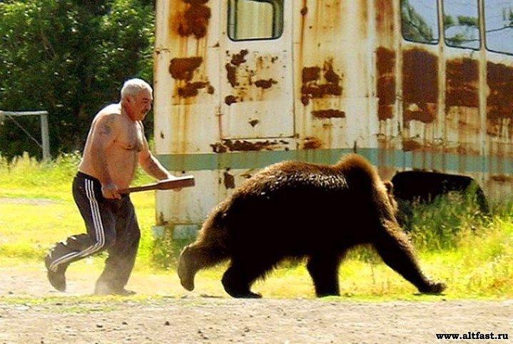 Söze girmeden önce şunu söyleyelim: Ruslar'da en az bizler kadar acayip insanlar.