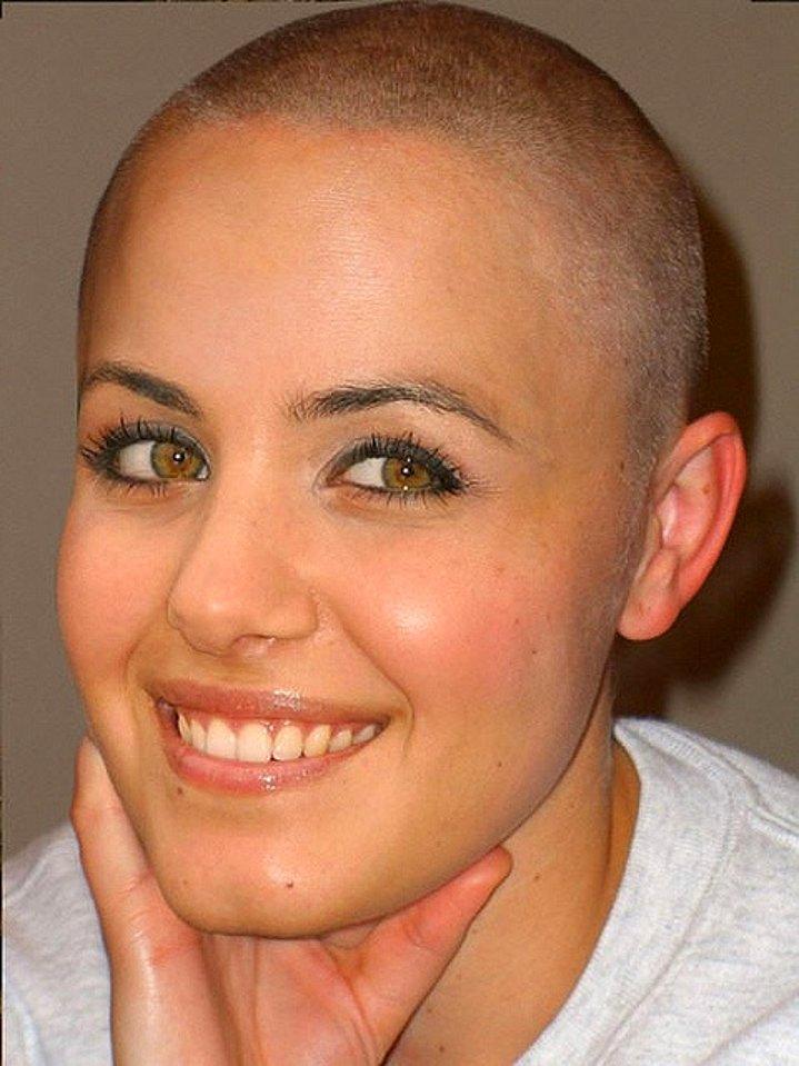 Dertsiz Tasasız Kısa Saçlı Kızlar (7)