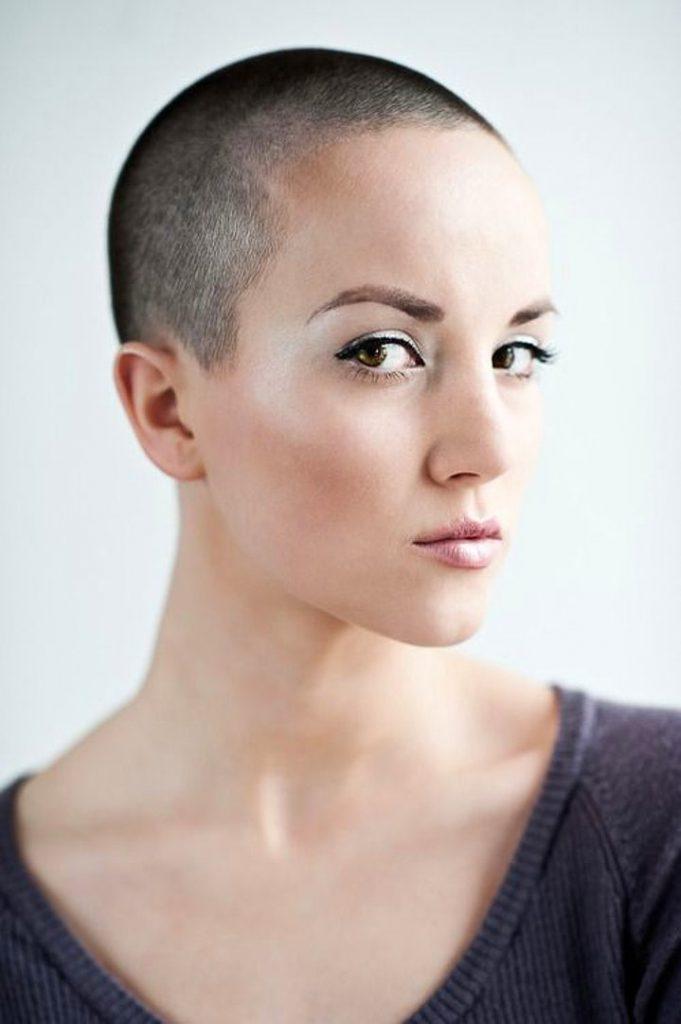 Dertsiz Tasasız Kısa Saçlı Kızlar (9)